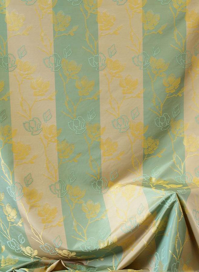 Victoria puccini the crown prince - 2 3